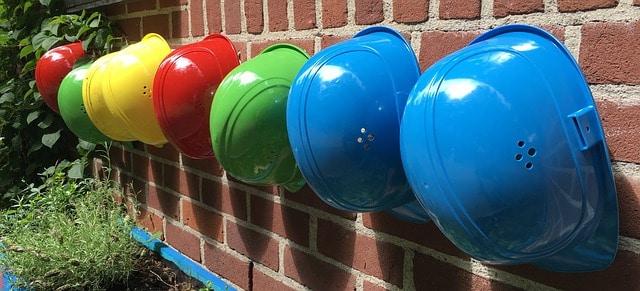 Schutzhelme für Baustelle und Heimwerker - Welche Farbe